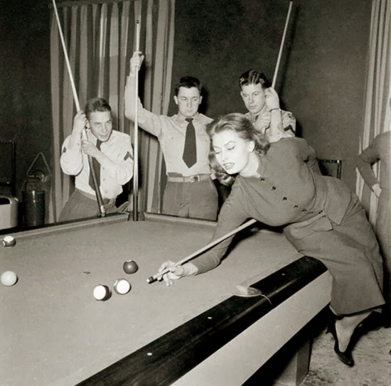 Sophia Loren playing pool, ca 1950s
