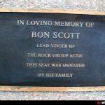 Las campanas doblan por Bon Scott